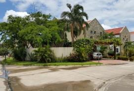 Casa en condominio  La Hacienda 1