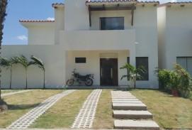 Hermosa casa en venta en condominio Mirage
