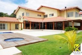 Bella casa en Colinas del Urubo (frente a la rotonda)