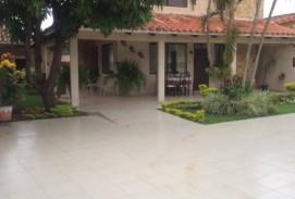 Hermosa casa zona San Aurelio