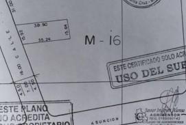 casa en venta sobre la calle libertad entre 2do y 1er anillo zona de comercio..
