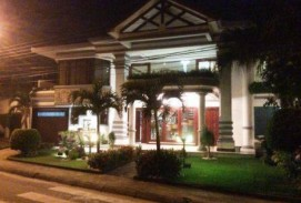 Casa 'imponente y Señorial' Ubicada: Condominio Barrio Norte (av. Bánzer 4º Anillo)