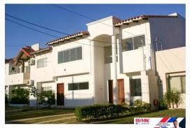Hermosa casa en la Zona Norte, Plusvalía en Crecimiento y en Condominio Cerrado.