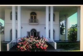 Hermosa Casa en Calle La Paz