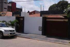 VENTA.- 265,000 $us CASA 3 DORM ZONA TERMINAL BIMODAL