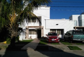 Condominio Barcelo - Norte - Hermosa casa en venta - Av. Banzer km 9 1/2
