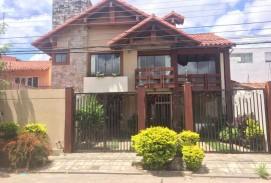 Hermosa Casa en Equipetrol