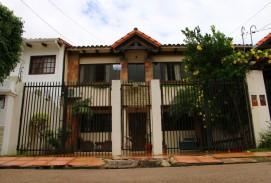 CASA DE 2 PLANTAS, ZONA AV. ALEMANA