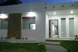 Casa en alquiler zona Urubo condominio Los Parques II