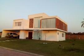 Vendo casa en Urubo
