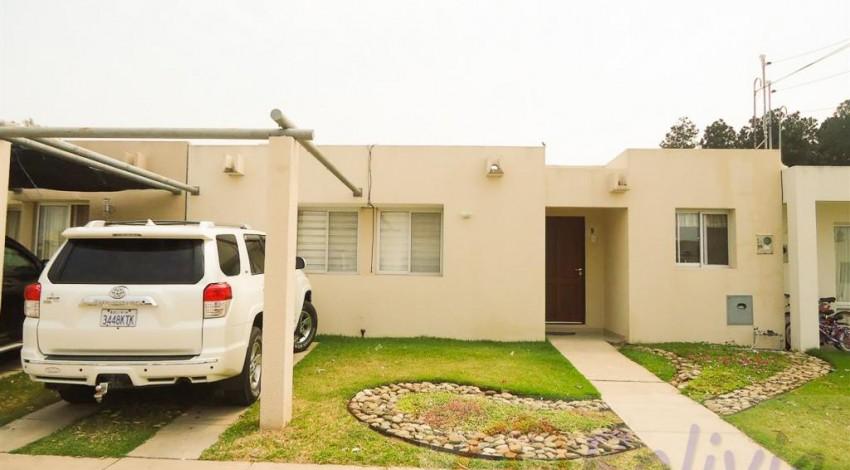 Casa en alquiler condominio sevilla pinatar av banzer km 11 for Alquiler de casas en brenes sevilla