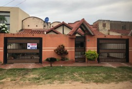 CASA EN VENTA,A 800 MTS DEL MERCADO ABASTO 2