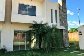 Casa en Venta en Condominio Cerrado