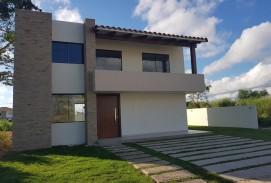 Hermosa casa a estrenar en condominio privado, zona Urubo