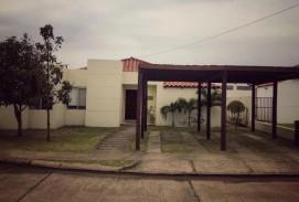 Vendo Casa en el Urubó - Condominio Santa Cruz de la Colina.