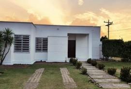 CASA EN VENTA EN CONDIMINIO ( URUBO )